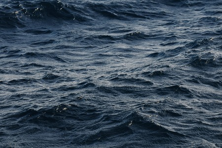 파도와 물 텍스처 딥 블루 오션 표면