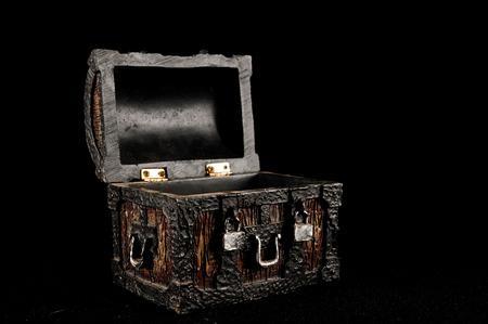 cofre del tesoro: Viejo vintage clásico de madera del tronco del pirata Objeto