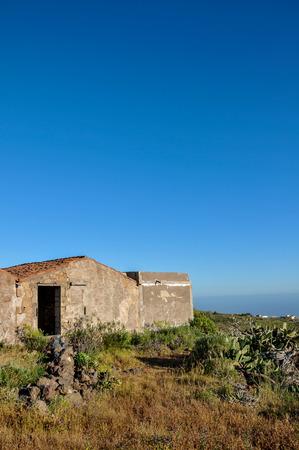 abandoned farmhouse abandoned farmhouse: Abandoned Farmhouse On A Sunny Day In Tenerife