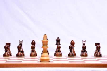 pensamiento estrategico: Foto imagen de la pieza de ajedrez de madera clásico Foto de archivo