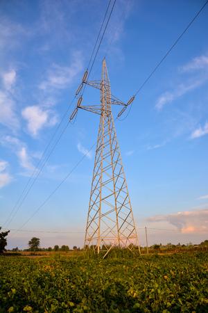 electricity pylon: Photo Picture of the Classic Electricity Pylon Pole