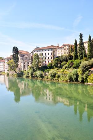 Photo Foto van de middeleeuwse stad Bassano del Grappa