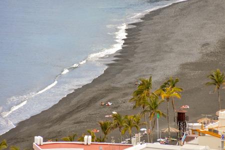 Dry Lava Coast Beach in the Atlantic Ocean 版權商用圖片