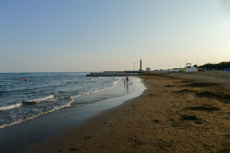 Beach of Lido di Jesolo at adriatic Sea in a beautiful summer day Italy 免版税图像