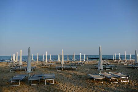 Beach of Lido di Jesolo at adriatic Sea in a beautiful summer day Italy 免版税图像