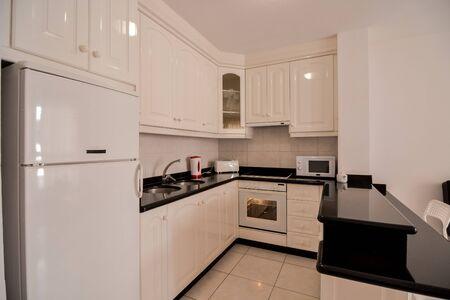 Foto Immagine vista interna di una cucina moderna Archivio Fotografico
