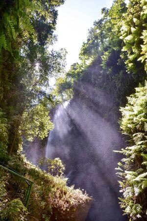 Photo Picture of a Beautiful Water Splash Waterfall Stockfoto