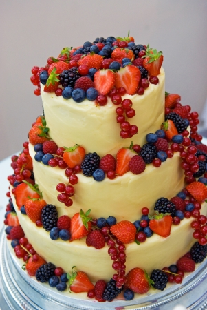 Mouth watering and fruitful wedding cake photo