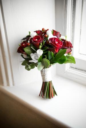 Winter wedding bridal flower arrangement. Stock Photo - 14966973