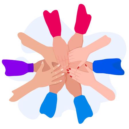 Les gens mettent leurs mains ensemble. Amis avec pile de mains. Unité et travail d'équipe, vue de dessus.