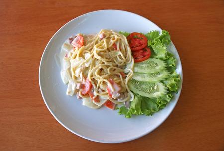 ham cheese: Spaghetti carbonara with ham, cheese and vegetable