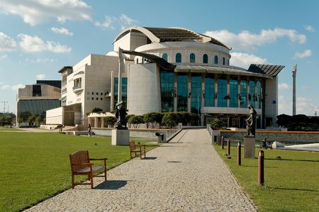 This is the new bulding of the Hungarian National Theatre. It stands in Budapest on the riverbank of Danube.