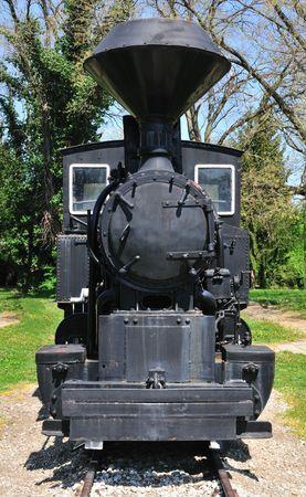 Bardzo stare lokomotywy parowe zamknąć się na stacji. Zdjęcie Seryjne - 3098312