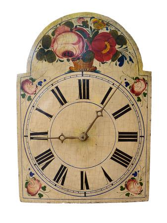 numeros romanos: Antiguo reloj mostrando el tiempo (Seis minutos después de las nueve), aislado en blanco.