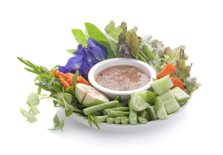 Thai cuisine nam prik or chili paste mixes with fish serves with various vegetables Banque d'images