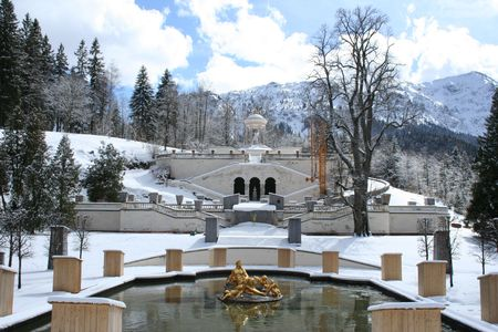 king neptune: Linderhof Castle in winter