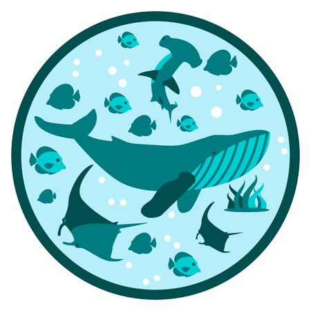 Unterwasserleben flaches rundes Banner mit Silhouetten von schwimmenden Mantarochen, Fischen, Walen, Hammerhaien und Meeresboden in Alga Sauerstoffblasen Logo Deep Style Vector Illustration in Bullaugenform in