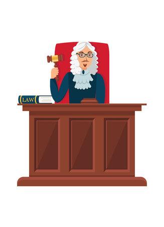 Juez sentado en la ilustración plana de mesa de madera. Cabeza de corte sosteniendo mazo ceremonial, mazo. Magistrado de dibujos animados alcanzando veredicto, eligiendo castigo carácter aislado. Trabajador de juzgado con peluca