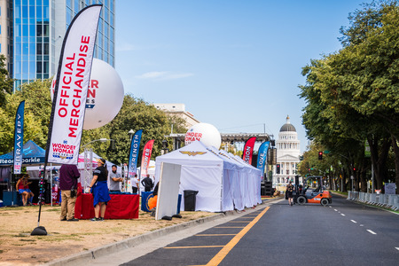 September 22, 2018 Sacramento / CA / USA - Tents and banners at the Inaugural DC Wonder Woman Run Series (5K or 10K) on the Capitol Mall in the downtown area Editoriali