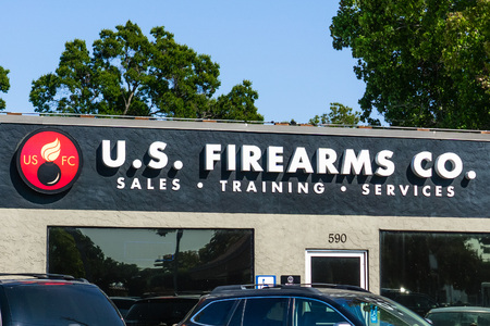 August 14, 2018 Sunnyvale  CA  USA - U.S. Firearms CO. local gun shop offering a full range of gun related services located in south San Francisco bay area Banco de Imagens