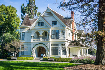 Patterson House on the grounds of Ardenwood Historic Farm (local regional public park), east San Francisco bay area, California 스톡 콘텐츠