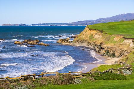 Pacific Ocean Coastline, Half Moon Bay, California Imagens