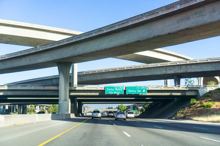 Freeway interchange, south San Jose, Santa Clara county, San Francisco bay area, California 免版税图像