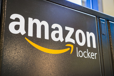 August 2, 2018 Los Altos / CA / USA - Close up of Amazon logo on one of their Amazon lockers located inside a store in San Francisco bay area Reklamní fotografie - 116398789