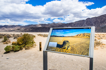 May 27, 2018 Death Valley  CA  USA - Information display providing facts about the Racetrack Playa 에디토리얼