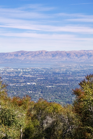 View towards South San Francisco bay from Rancho San Antonio trails, California 免版税图像