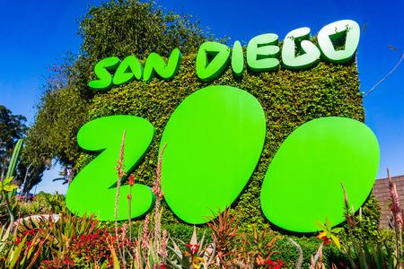 March 19, 2019 San Diego  CA  USA - Sign at the entrance to San Diego Zoo, Balboa Park Редакционное