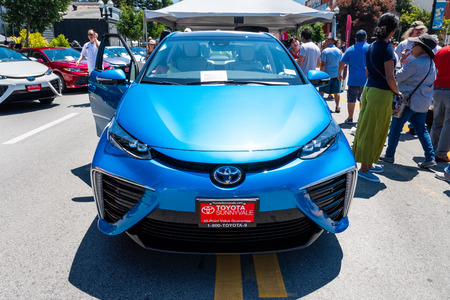 June 2, 2019 Sunnyvale  CA  USA - The Toyota Mirai fuelcell car (a mid-size hydrogen fuel cell car manufactured by Toyota) on display in downtown Sunnyvale, Silicon Valley Redakční