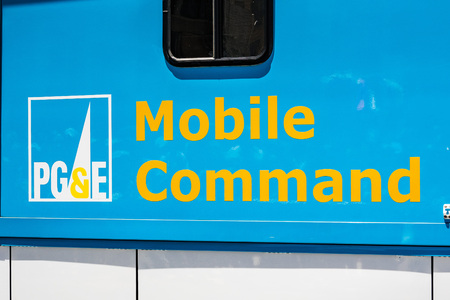 June 30, 2019 San Francisco  CA  USA - PG&E logo displayed on a Mobile Command Vehicle; The Mobile Command Fleet provides help and support on the field in case of emergency situations 新聞圖片
