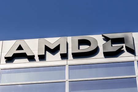 30. Juli 2019 Santa Clara/CA/USA - AMD-Logo an der Fassade ihrer Büros im Silicon Valley, South San Francisco Bay Area Editorial