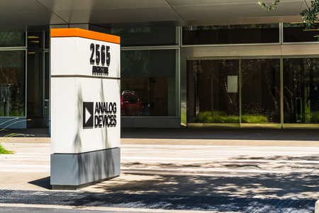 July 30, 2019 Santa Clara / CA / USA - Analog Devices logo at their offices in Silicon Valley; Analog Devices, Inc, also known as ADI or Analog, is an American multinational semiconductor company Banco de Imagens - 128407238