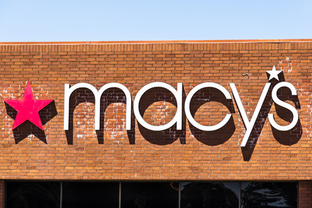 August 9, 2019 San Jose / CA / USA - Close up of Macy's logo displayed above the entrance to one of their stores in South San Francisco bay area Banco de Imagens - 128407246