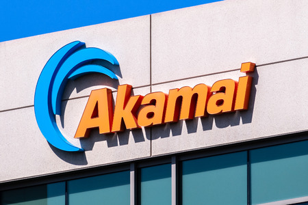 July 30, 2019 Santa Clara / CA / USA - Akamai sign displayed at their headquarters in Silicon Valley; Akamai Technologies, Inc. is an American content delivery network (CDN) and cloud service provider Banco de Imagens - 128407290