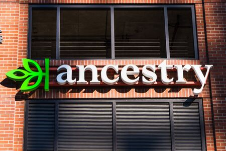 August 21, 2019 San Francisco / CA / USA - Close up of Ancestry sign at their HQ in SOMA district; Ancestry.com LLC operates a network of genealogical, historical record and genetic genealogy websites 新聞圖片