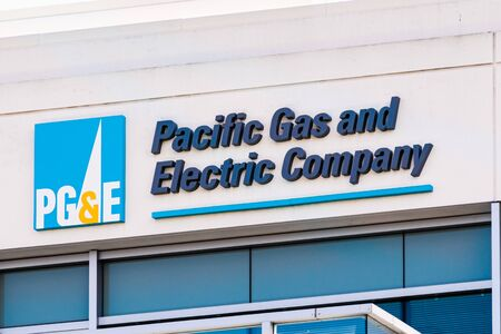 Sep 25, 2019 San Ramon / CA / USA - PG&E (Pacific Gas and Electric Company) sign at their headquarters in East San Francisco Bay Area 免版税图像 - 132249882