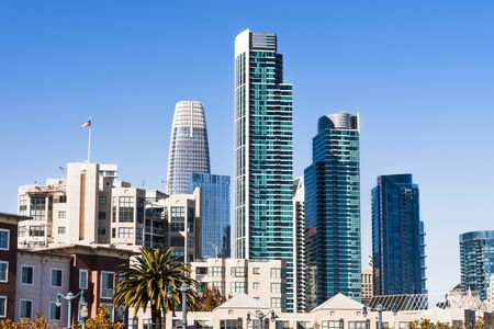 Urban skyline with tall residential and office buildings in South of Market district, San Francisco, California Zdjęcie Seryjne