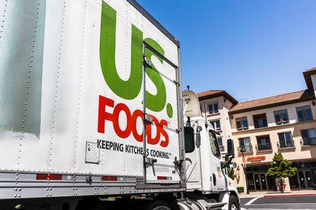 May 5, 2020 Santa Clara / CA / USA - US Foods truck driving on a street in San Francisco bay; US. Foods is an American food-service distributor Redakční