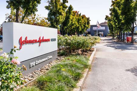 Oct 9, 2019 Milpitas / CA / USA - Johnson & Johnson Vision offices in Silicon Valley; Johnson & Johnson Vision Care, Inc. is part of the American multinational corporation Johnson&Johnson Editorial