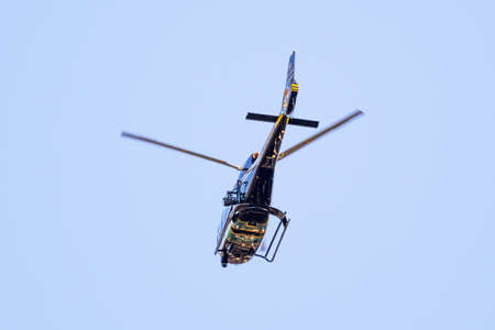 July 17, 2020 Sunnyvale / CA / USA - Santa Clara County Sheriff helicopter in mid flight 新闻类图片