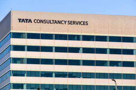 August 9, 2020 Santa Clara / CA / USA - Tata consultancy services ltd. (TCS) offices located in Silicon Valley; TCS is an Indian multinational IT service and consulting company part of the Tata Group 新闻类图片
