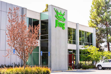 Aug 26, 2020 Sunnyvale / CA / USA - JFrog headquarters in Silicon Valley; JFrog Ltd. operates as a software development company and provides technologies and tools for the everyday use 新闻类图片