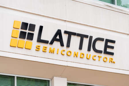 Sep 8, 2020 San Jose / CA / USA - Lattice Semiconductor sign at their HQ in Silicon Valley; Lattice Semiconductor Corporation is an American manufacturer of high-performance programmable logic devices 報道画像