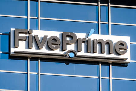 Sep 21, 2020 South San Francisco / CA/ USA - Five Prime Therapeutics logo at their headquarters in Silicon Valley; Five Prime Therapeutics, Inc. provides clinical stage biotechnology services 免版税图像 - 158369953