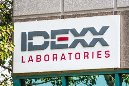 Sep 17, 2020 Fremont / CA / USA - IDEXX sign at their offices in Silicon Valley; IDEXX Laboratories Inc is an American multinational corporation that focuses on products and services for veterinarians 新闻类图片