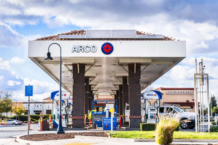 Dec 17, 2020 Brentwood / CA / USA - Arco (Atlantic Richfield Company) gas station with installed solar panels located Contra Costa county