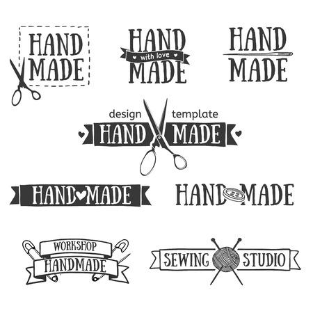 sew: Conjunto de insignias de la vendimia retro hechos a mano, etiquetas y elementos de ilustraci�n, s�mbolos retro para tienda local de costura, club de punto, artista hecho a mano o empresa de prendas de punto. Ilustraci�n de la plantilla. Vector.